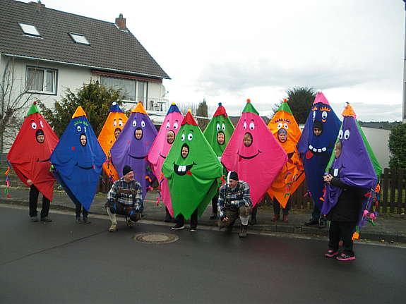 Karneval Gruppenkostume Windfogel In Schrillen Farben Hoork Com