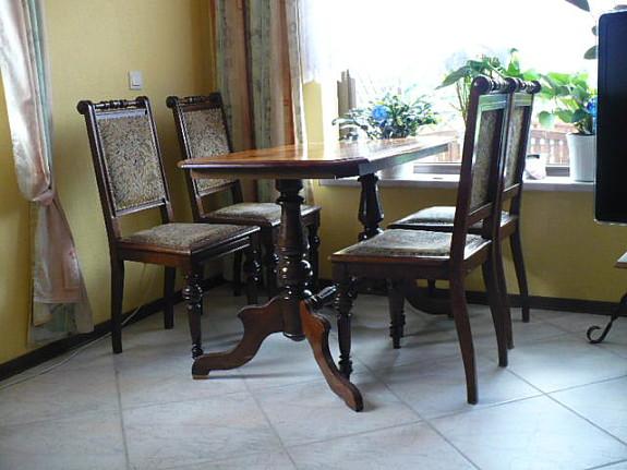 AuBergewohnlich Antiker Tisch + 4 Stühle   Gründerzeit   Um 1900