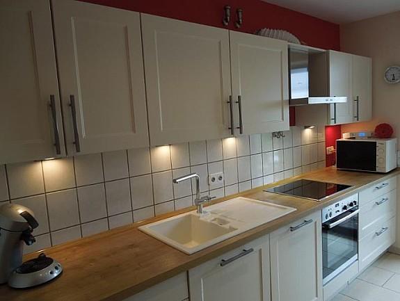 nobilia landhaus k che farbe magnolie matt 16 neuwertig. Black Bedroom Furniture Sets. Home Design Ideas