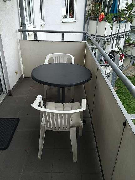 Balkonmobel Tisch Und 3 Stuhle Robust Und Wetterfest In Ffm Fur