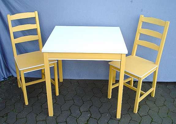 Kleiner IKEA Esstisch + 2 Stühle, Jokkmokk, Sahara-Gelb + Weiss ...