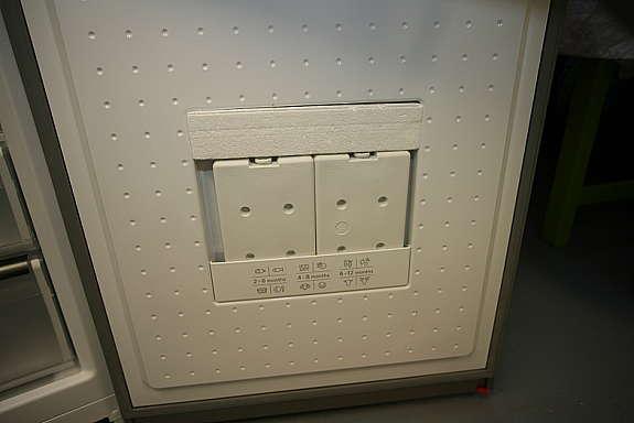Siemens Kühlschrank Rollen : Siemens kühl gefrier kombination mit nofrost technik hoork