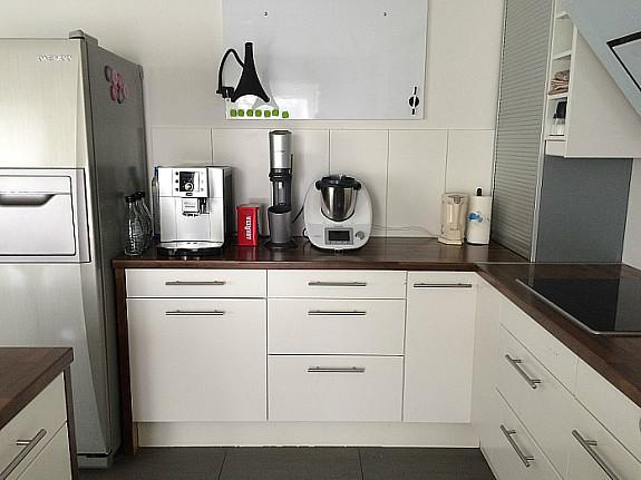 große IKEA Küche inkl. Geräte und großem Side-By-Side ...
