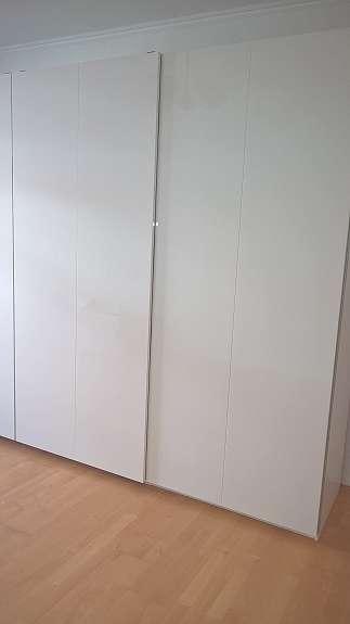 Ikea Pax Schrank Hochglanz Weiss 2m Mit Schiebeturen Hoork Com